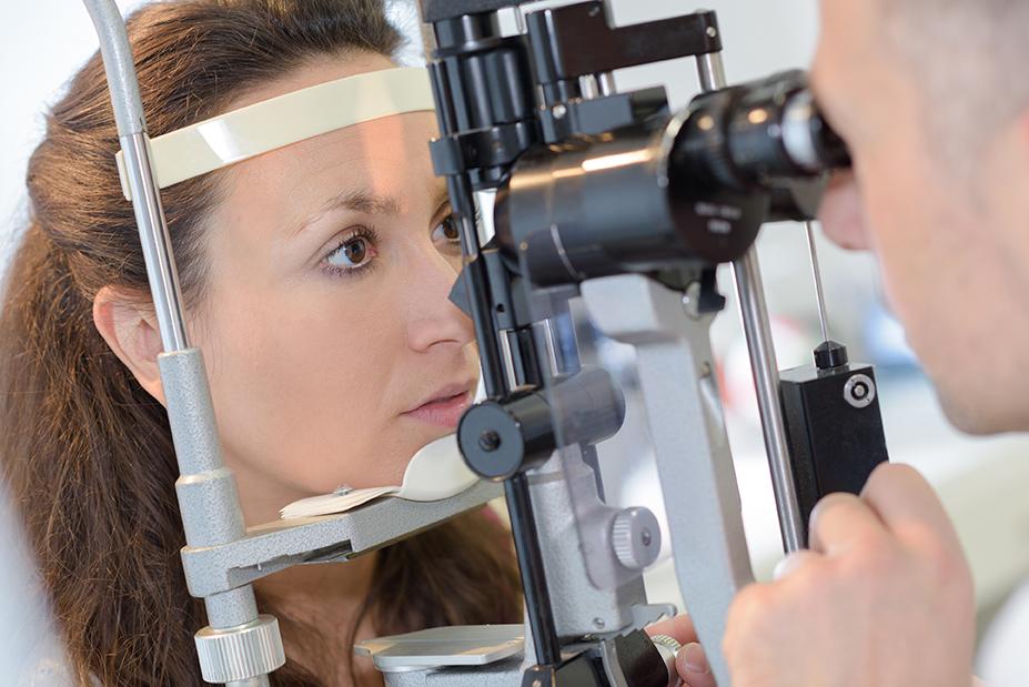 O glaucoma é muito sério e precisa de atenção acompanhamento de um oftalmologista. Entenda a doença e conheça o tratamento para evitar complicações.