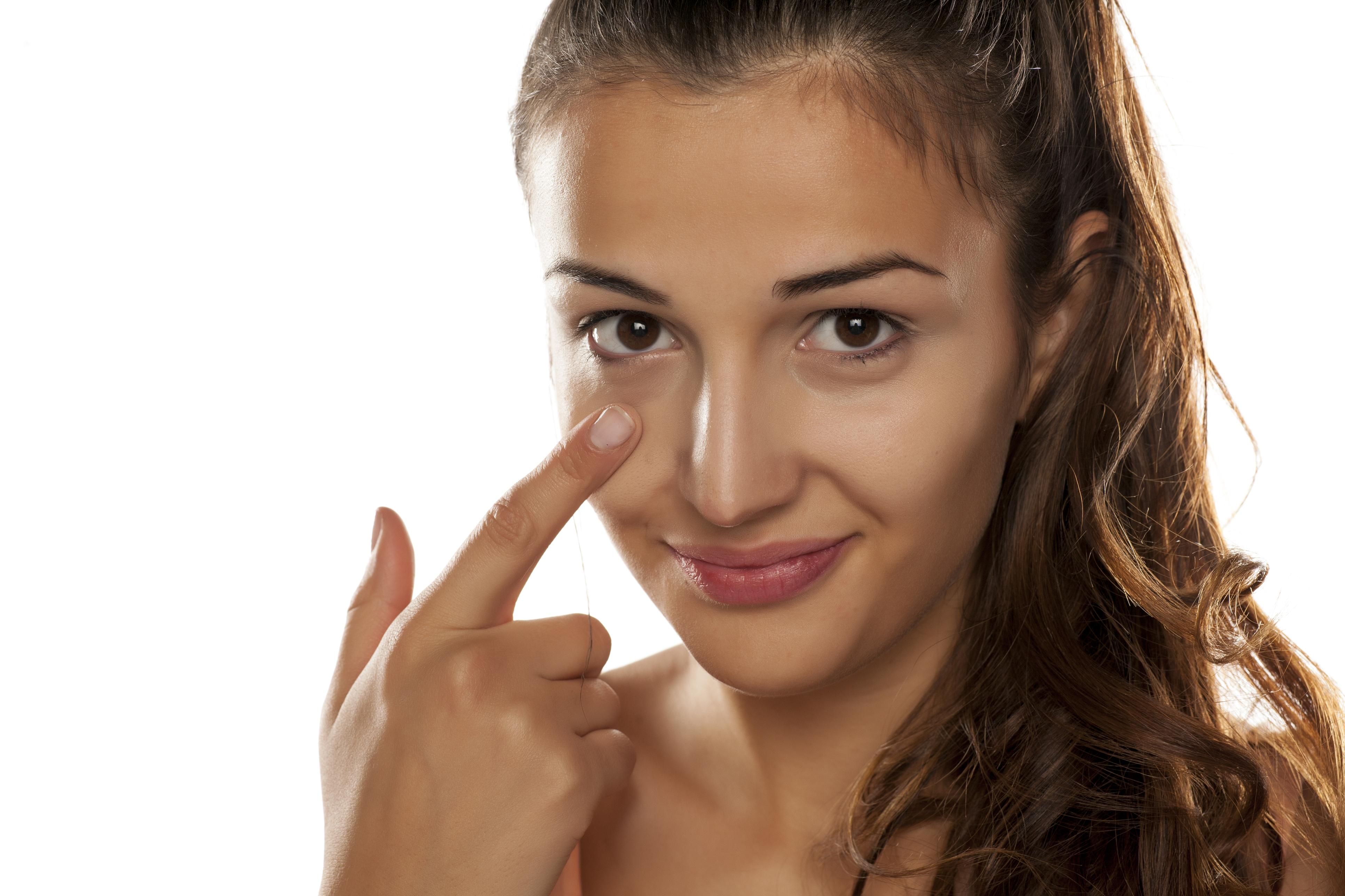 A especialista em córnea e doenças oculares externas, Luciana Olivalves, separou oito dicas, que fazem a diferença no cuidado com os olhos.